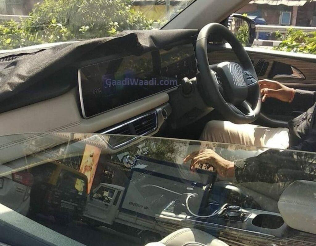 2021 Mahindra XUV500 Interior Revealed