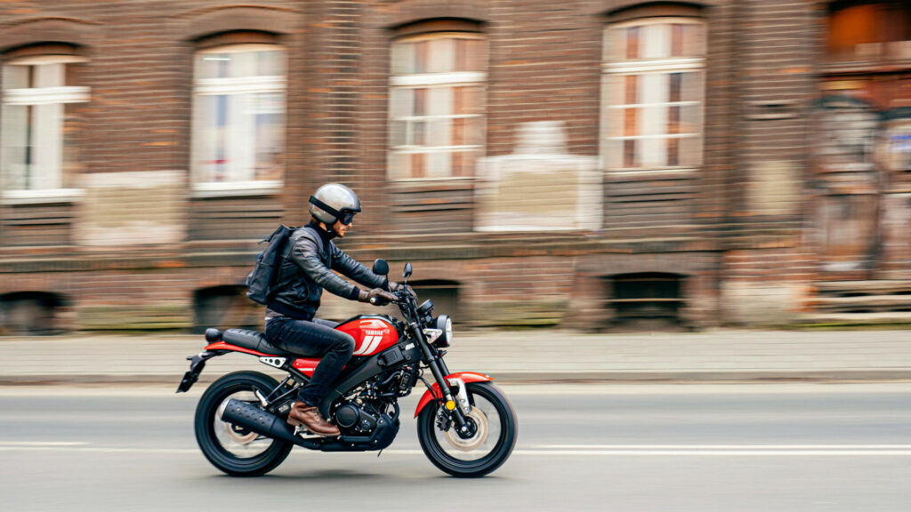 Yamaha XSR 125 - Features, Specs, Price, Color