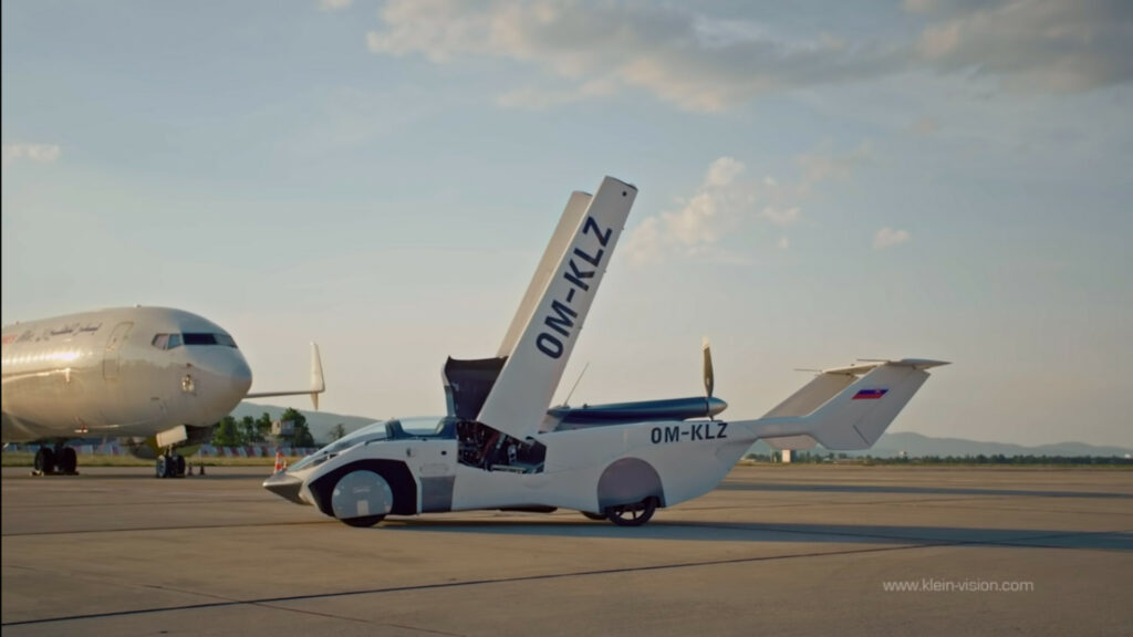 Futuristic flying car completes first ever journey