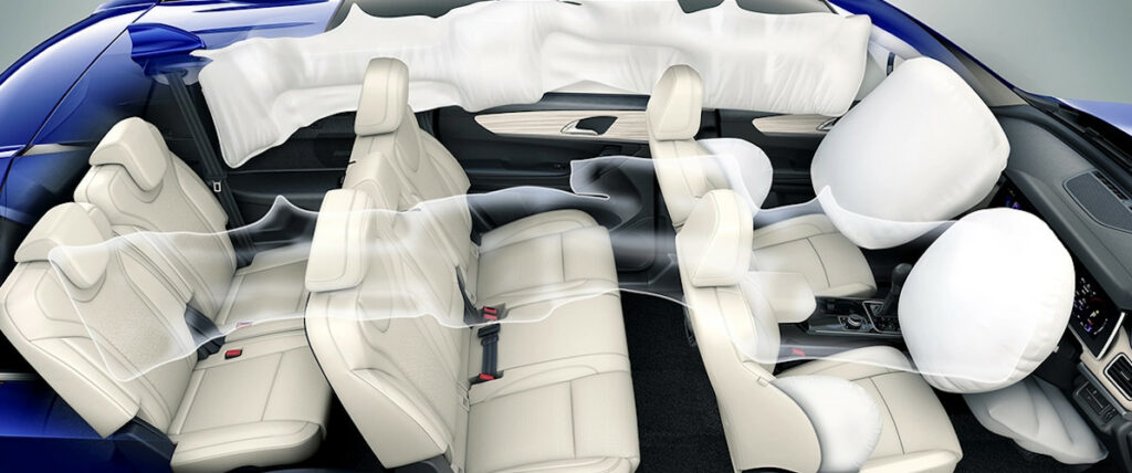 XUV700 - 7 seater XUV with 7 airbags